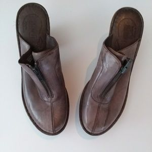Born Clogs Size 10. Excellent Condition